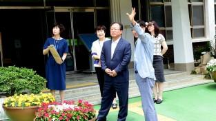 김석준 부산교육감 24일 강서구 지역 3개 초등학교 방문